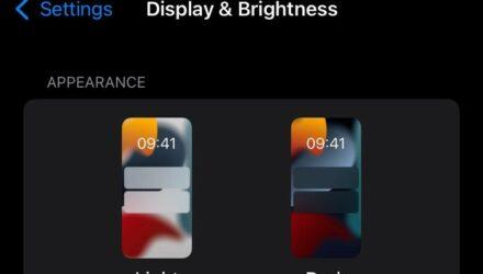 O modo escuro do teu smartphone poupa bateria?